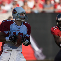 04 November 2007: Arizona Cardinals quaterback #13 Kurt Warner rolls out to pass during the Tampa Bay Buccaneers 17-10 victory over the Arizona Cardinals at Raymond James Stadium in Tampa, Florida, USA.