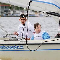 Special Olympics European Unified Sailing Regatta in Rotterdam. Unified Sailing brengt mensen met en zonder verstandelijke beperking samen in hetzelfde zeilteam met als doel het vergroten van het gevoel van eigenwaarde, positieve beeldvorming en plezier maken op het water. Het gaat om 'Changing Lives, Changing Attitudes'. Deze primeur betekent een belangrijke impuls voor het verder ontwikkelen van het aangepast zeilen in Nederland en de rest van Europa. Op zaterdag 14 en zondag 15 mei werden de wedstrijden gevaren worden op de WSVR wedstrijdlocatie aan de Kralingse Plassen.