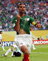 0:1  Jubel Rafael Marquez Mexiko <br /> Fussball WM 2006 Achtelfinale Argentinien - Mexiko<br />  Argentina - Mexico<br /> Norway only