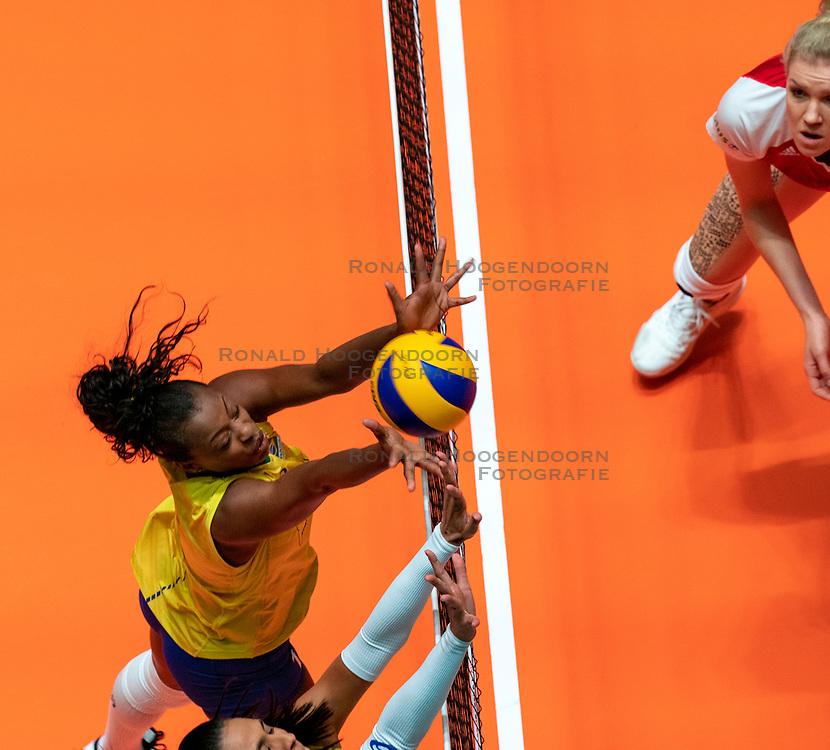 29-05-2019 NED: Volleyball Nations League Poland - Brazil, Apeldoorn<br /> Mara Ferreira Leao #1 of Brazil