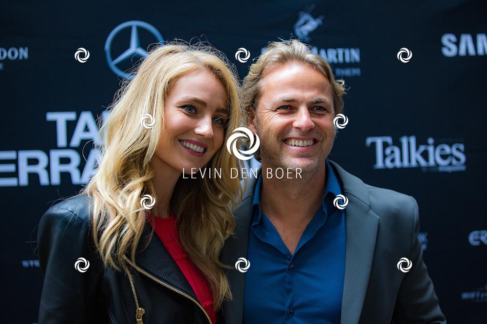 AMSTERDAM - In The Dylan zijn de Talkies Terras Awards uitgereikt voor beste terras 2016. Met hier op de foto John Ewbank met partner Kelly Weekers. FOTO LEVIN & PAULA PHOTOGRAPHY VOF