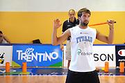 DESCRIZIONE : Folgaria Allenamento Raduno Collegiale Nazionale Italia Maschile <br /> GIOCATORE : Daniele Cavaliero<br /> CATEGORIA : allenamento curiosita<br /> SQUADRA : Nazionale Italia <br /> EVENTO :  Allenamento Raduno Folgaria<br /> GARA : Allenamento<br /> DATA : 17/07/2012 <br />  SPORT : Pallacanestro<br />  AUTORE : Agenzia Ciamillo-Castoria/GiulioCiamillo<br />  Galleria : FIP Nazionali 2012<br />  Fotonotizia : Folgaria Allenamento Raduno Collegiale Nazionale Italia Maschile <br />  Predefinita :