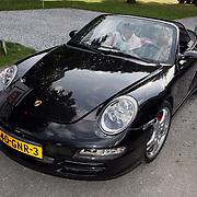 NLD/Amsterdam/20080910 - Beau Monde Rally 2008, auto van Anouk Smulders - Voorveld en vriendin Ghislaine