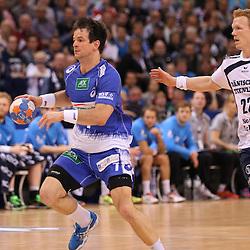 Hamburg, 24.05.2015, Sport, Handball, DKB Handball Bundesliga, HSV Handball - SG Flensburg-Handewitt : Matthias Flohr (HSV Handball, #07), Anders Zachariassen (SG Flensburg-Handewitt, #22)<br /> <br /> Foto © P-I-X.org *** Foto ist honorarpflichtig! *** Auf Anfrage in hoeherer Qualitaet/Aufloesung. Belegexemplar erbeten. Veroeffentlichung ausschliesslich fuer journalistisch-publizistische Zwecke. For editorial use only.