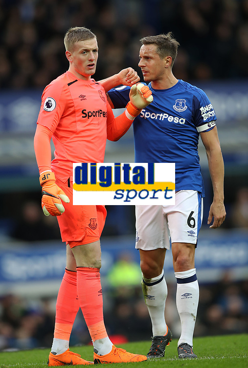 Football - 2017 / 2018 Premier League - Everton vs. Manchester City<br /> <br /> Jordan Pickford of Everton and Phil Jagielka of Everton at Goodison Park.<br /> <br /> COLORSPORT/LYNNE CAMERON