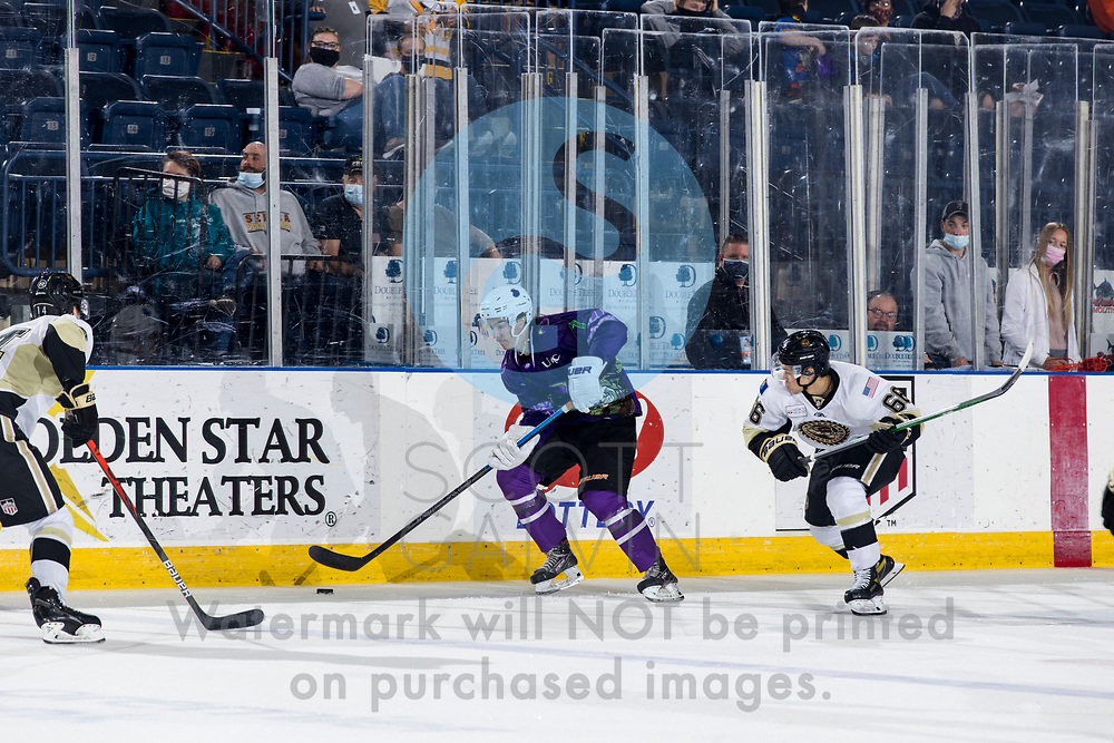 The Youngstown Phantoms defeat the Muskegon Lumberjacks 4-3 in overtime at the Covelli Centre on April 17, 2021.<br /> <br /> Austen May, defenseman, 7