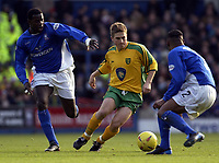 Picture: Henry Browne.<br />Date: 21/12/2003.<br />Iswich Town v Norwich City Nationwide First Division.<br />Paul McVeigh breaks through the Ipswich defence.