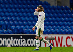 CARDIFF, WALES - Sunday, November 15, 2020: Republic of Ireland's Jeff Hendrick walks off the pitch the tunnel after being sent off during the UEFA Nations League Group Stage League B Group 4 match between Wales and Republic of Ireland at the Cardiff City Stadium. Wales won 1-0. (Pic by David Rawcliffe/Propaganda)