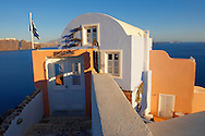 oia ( Ia ) Santorini Town- Greek Cyclades islands - Photos, pictures and images .<br /> <br /> If you prefer to buy from our ALAMY PHOTO LIBRARY  Collection visit : https://www.alamy.com/portfolio/paul-williams-funkystock/santorini-greece.html<br /> <br /> Visit our PHOTO COLLECTIONS OF GREECE for more photos to download or buy as wall art prints https://funkystock.photoshelter.com/gallery-collection/Pictures-Images-of-Greece-Photos-of-Greek-Historic-Landmark-Sites/C0000w6e8OkknEb8