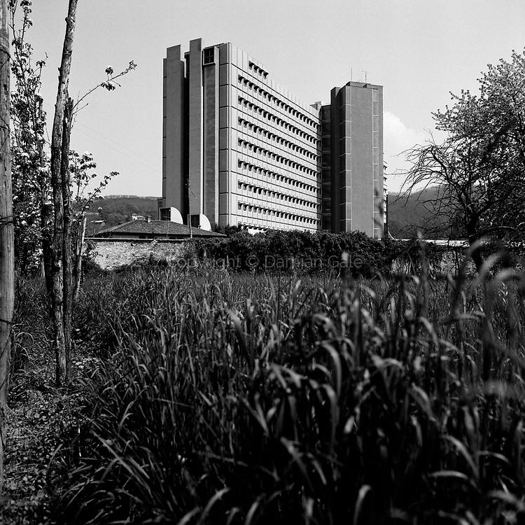 Bolnišnica dr. Franca Derganca