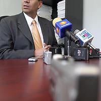 Toluca, Méx.- Francisco Garate Chapa, presidente del CDE del PAN, da su postura con respecto a los nuevos nombramientos de funcionarios publicos del IEEM y asegura que fue prematura la desicion del consejo. Agencia MVT / Gabriela Benitez M. (DIGITAL)<br /> <br /> <br /> <br /> NO ARCHIVAR - NO ARCHIVE