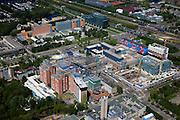 Nederland, Noord-Holland, Amsterdam, 12-05-2009; Zuidas met Vrije Universiteit, zicht op de verschillende nieuwbouw projecten van het Academisch Ziekenhuis van de VU. Op het tweede plan kantoren en het hoofdkantoor van de ING aan ringweg A10 .Swart collectie, luchtfoto (toeslag); Swart Collection, aerial photo (additional fee required).foto Siebe Swart / photo Siebe Swart