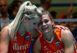 30-05-2019 NED: Volleyball Nations League Netherlands - Poland, Apeldoorn<br /> Laura Dijkema #14 of Netherlands, Nika Daalderop #19 of Netherlands