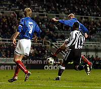 Photo. Jed Wee, Digitalsport<br /> Newcastle United v Våerenga, UEFA Cup 3rd Round, St. James' Park, Newcastle. 03/03/2004.<br /> Valerenga's Erik Hagen scrambles home his team's equaliser.