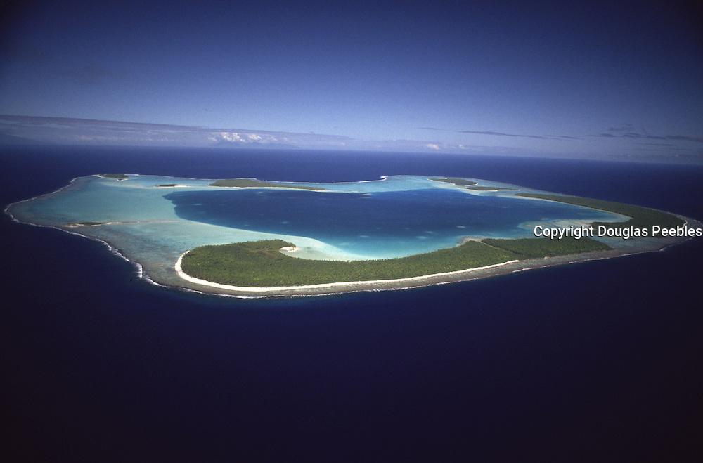 Aerial of Tetiaroa (Marlon Brando's island), French Polynesia<br />