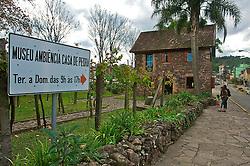 Construída em 1878 pela família Luchesi e transformado em museu em 1974, a Casa de Pedra oferece aos visitantes um mostruário em seu interior de objetos, utensílios e móveis utilizados pelos imigrantes na época da colonização. É considerado Museu Vivo da América Latina.