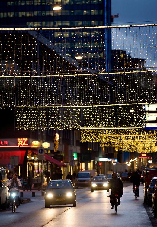 Nederland Rotterdam 10 december 2007 .Kerstverlichting aangebracht door gemeente Rotterdam op de Meent in het centrum van rotterdam