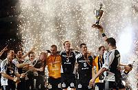 Håndball<br /> Tyskland<br /> Foto: Witters/Digitalsport<br /> NORWAY ONLY<br /> <br /> 29.03.2008<br /> <br /> Pokalsieger THW Kiel, Kapitaen Stefan Loevgren und Pokal<br /> Handball Final 4 Finale DHB Pokal THW Kiel - HSV<br /> <br /> Børge Lund