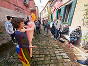 """58th Art Biennale Venice """"May You Live in Interesting Times"""" curated by Ralph Rugoff. Catalunya in Venice, """"To Loose Your Head"""". Performance of Marcel Borràs (l.), """"She will appropriate in present"""" about statues with interesting stories."""