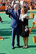 Koningsdag 2014 in de Rijp, het vieren van de verjaardag van de koning. / Kingsday 2014 in the Rijp , celebrating the birthday of the King. <br /> <br /> <br /> Op de foto / On the photo:   Prinses Margiet en Pieter van Vollenhoven  / Princess Margiet and Pieter van Vollenhoven