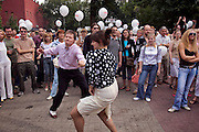 """Moscow, Russia, 13/08/2005..Dances Festival in the city centre Hermitage Gardens, featuring music and musicians from Africa, America, India, the UK and Russia. Festival goers dance to Corey """"Lil Pop"""" Ledet and his Zydeco Band from Louisiana."""