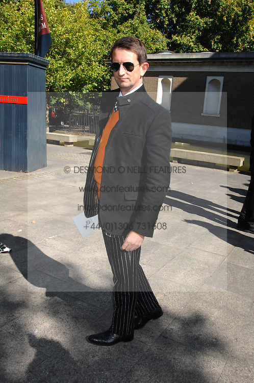COUNT MANFREDIE DELLA GHERARDESCA at the memorial service of Isabella Blow held at the Guards Chapel, London W1 on 18th September 2007.<br /><br />NON EXCLUSIVE - WORLD RIGHTS