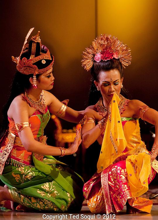 Burat Wangi performs the Ramayana dance drama at Cal Arts.