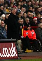 Photo: Chris Ratcliffe.<br />Charlton Athletic v Manchester United. The Barclays Premiership. 19/11/2005.<br />Sir Alex Ferguson