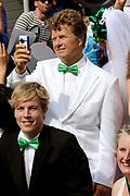 Amsterdam Canal Parade 2011, dat een onderdeel is van de Amsterdam Gay Pride. De Canal Parade, een bonte stoet van boten die op de eerste zaterdag van augustus door de grachten vaart, gewoonlijk vanaf het Westerdok via de Prinsengracht, Amstel, Zwanenburgwal en Oudeschans naar het Oosterdok. <br /> <br /> Op de foto: Boris Dittrich van Human Rights Watch