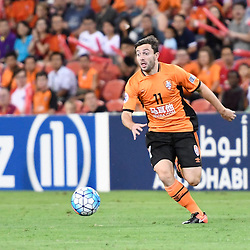 BRISBANE, AUSTRALIA - FEBRUARY 21: Tommy Oar of the Roar in action during the Asian Champions League Group Stage match between the Brisbane Roar and Muangthong United FC at Suncorp Stadium on February 21, 2017 in Brisbane, Australia. (Photo by Patrick Kearney/Brisbane Roar)