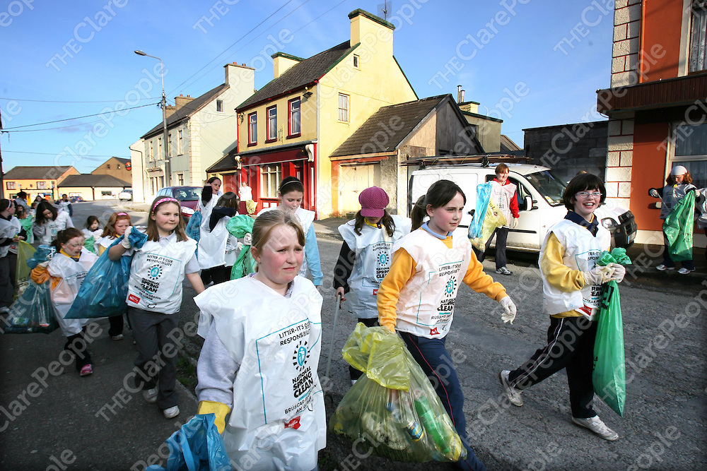 Members of the Ibrickane Brownies and Girl Guides cleaning up Mullagh village as part of the National Spring Clean.<br /><br />Photograph by Eamon Ward