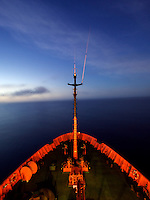 26/Mayo/2010 Océano Atlántico.<br /> Proa del buque oceanográfico Hespérides, en su travesía desde Las Palmas de Gran Canaria a Cartagena en la etapa de Intercalibración y puesta a punto de los equipos científicos para la Expedición Malaspina.<br /> <br /> © JOAN COSTA