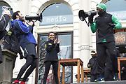 Nike 'Move with Hart' run event plaats in samenwerking met de comedian Kevin Hart in het Vondelpark in Amsterdam.<br /> <br /> Op de foto:  Nasrdin Dchar en Kevin Hart