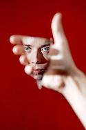 """Mads Langer er aktuel med sit femte album """"Reckless Twin"""". Her er han fotograferet i studiet i Valby, hvor han og bandet øver."""