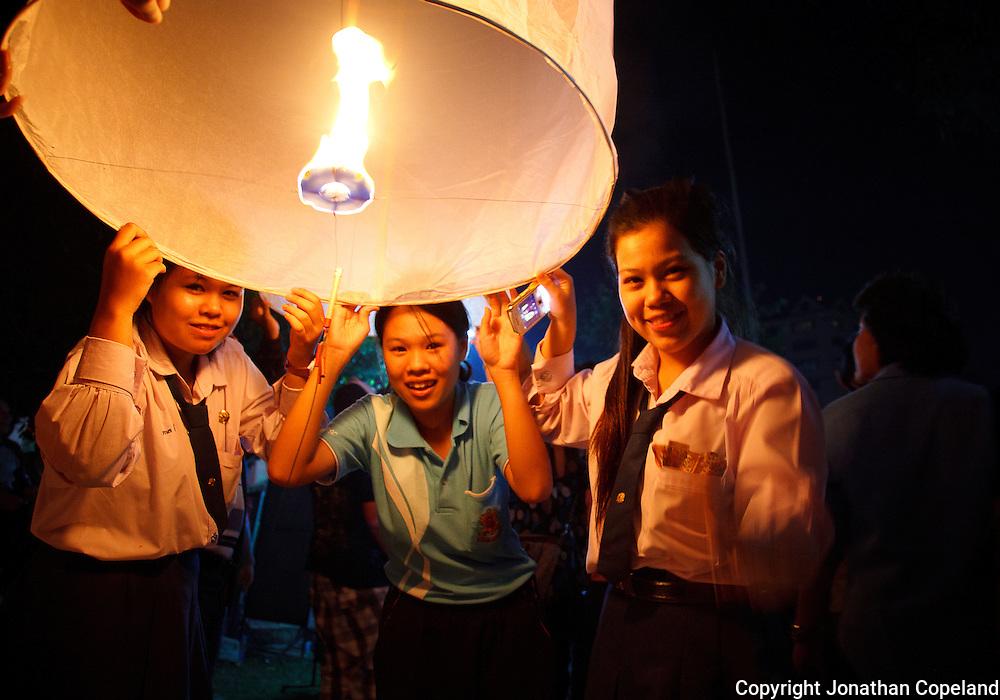 Thailand Chiang Mai Loy Krathong