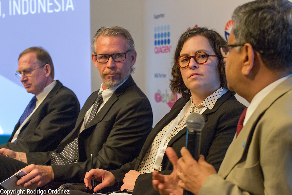 The Chairman of the World Diabetes Foundation, Dr Anil Kapur (right), answers a question at the global summit on diabetes and tuberculosis in Bali, Indonesia, on November 2, 2015.<br /> The increasing interaction of TB and diabetes is projected to become a major public health issue.The summit gathered a hundred public health officials, leading researchers, civil society representatives and business and technology leaders, who committed to take action to stop this double threat. (Photo: Rodrigo Ordonez for The Union)