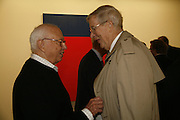 Ellsworth Kelly with Bill Luers, Ellsworth Kelly exhibition opening. Serpentine Gallery and afterwards at the River Cafe. London. 17 March 2006. ONE TIME USE ONLY - DO NOT ARCHIVE  © Copyright Photograph by Dafydd Jones 66 Stockwell Park Rd. London SW9 0DA Tel 020 7733 0108 www.dafjones.com