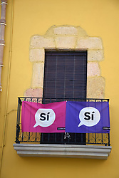 Catalonia, Spain Sep 2017. Altafulla near Tarragona. On 1 October Catalans will go to the polls to vote in a referendum on whether to secede from Spain and form an independent republic however Madrid says the referendum is unconstitutional. Catalonian flags & 'si' signs proliferate throughout the region.