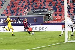 """Foto Filippo Rubin<br /> 28/09/2020 Bologna (Italia)<br /> Sport Calcio<br /> Bologna - Parma - Campionato di calcio Serie A 2020/2021 - Stadio """"Renato """"Dall'Ara<br /> Nella foto: GOAL BOLOGNA RODRIGO PALACIO (BOLOGNA FC)<br /> <br /> Photo Filippo Rubin<br /> September 28, 2020 Bologna (Italy)<br /> Sport Soccer<br /> Bologna vs Parma - Italian Football Championship League A 2020/2021 - """"Renato Dall'Ara"""" Stadium <br /> In the pic: GOAL BOLOGNA RODRIGO PALACIO (BOLOGNA FC)"""