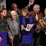NLD/Hilversum/20121003- Boekpresentatie De Iconen van het NOS Achtuurjournaal, Sacha de Boer, Frits Thors, Herman Siezen, Pia Dijkstra, Joop van Zijl, Rien Huizing