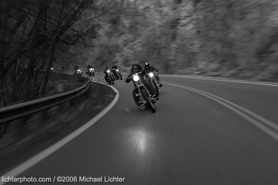 Heading to Mexico. AZ. 2006<br /> <br /> Limited Edition Print from an edition of 15. Photo ©2006 Michael Lichter.