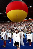 GEPA-2906081362A - WIEN,AUSTRIA,29.JUN.08 - FUSSBALL - UEFA Europameisterschaft, EURO 2008, Deutschland vs Spanien, GER vs ESP, Finale. <br />Bild zeigt die Eroeffnungsfeier. Keywords: Eroeffnung, Deutschland, Fahnen, Luftballon, Ballon.<br />Foto: GEPA pictures/ Guenter R. Artinger