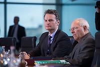 13 JAN 2016, BERLIN/GERMANY:<br /> Guenter Krings (L), CDU, Parl. Staatssekretaer im Bundesinnenministerium, und Wolfgang Schaeuble (R), CDU, Bundesfinanzminister, vor Beginn einer Kabinettsitzung, Budneskanzleramt<br /> IMAGE: 20160113-01-011<br /> KEYWORDS: Kabinett, Sitzung, Günter Krings, Wolfgang Schäuble