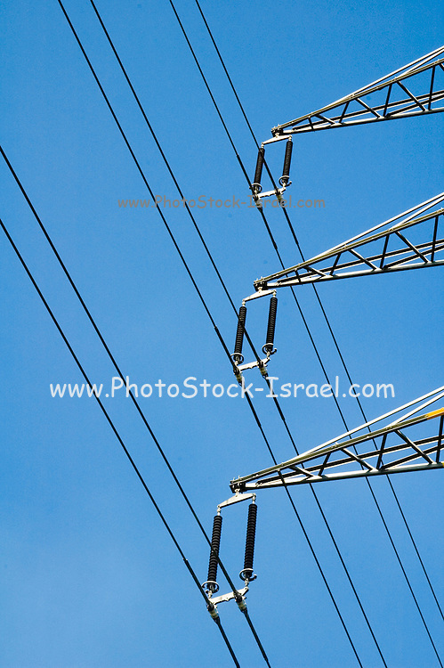 A high power electric line and pole