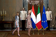 Staatsbezoek van Koning en Koningin aan de Republiek Italie - dag 1 - Rome /// State visit of King and Queen to the Republic of Italy - Day 1 - Rome<br /> <br /> Op de foto / On the photo: Koningin Maxima, Koning Willem-Alexander president Sergio Mattarella van Italie en zijn dochter Laura Mattarella poseren voor een foto in het Palazzo del Quirinale <br /> <br /> Queen Maxima, King Willem-Alexander President Sergio Mattarella of Italy and his daughter Laura Mattarella posing for a photo at the Palazzo del Quirinale