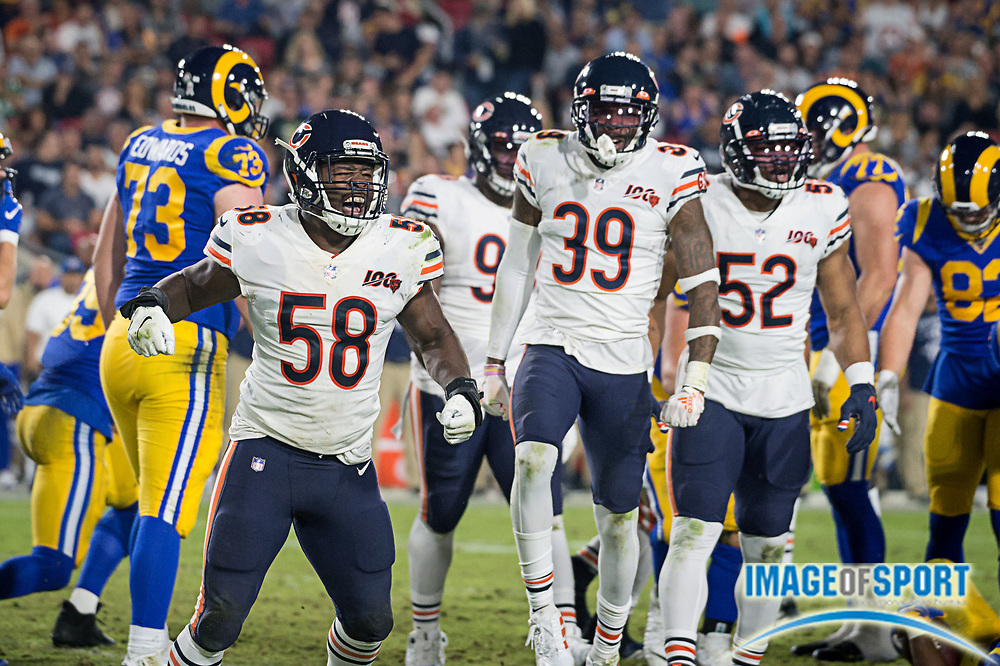 Chicago Bears inside linebacker Roquan Smith (58) celebrates after stopping the Los Angeles Rams offense in an NFL game on Sunday, Nov. 17, 2019, in Los Angeles. The Rams defeated the Bears 17-7. (Ed Ruvalcaba/Image of Sport)