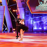 NLD/Hilversum/20130112 - 4e Liveshow Sterren Dansen op het IJs 2013, Paul Turner en schaatspartner Scarlett Rouzet