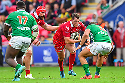 Ryan Elias of Scarlets in action during todays match<br /> <br /> Photographer Craig Thomas/Replay Images<br /> <br /> Guinness PRO14 Round 3 - Scarlets v Benetton Treviso - Saturday 15th September 2018 - Parc Y Scarlets - Llanelli<br /> <br /> World Copyright © Replay Images . All rights reserved. info@replayimages.co.uk - http://replayimages.co.uk