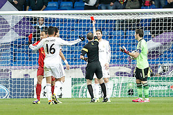 27.11.2013, Santiago Bernabeu, Madrid, ESP, UEFA CL, Real Madrid vs Galatasaray Istanbul, Gruppe B, im Bild Real Madrid´s Sergio Ramos receives, red card // Real Madrid´s Sergio Ramos receives, red card during UEFA Champions League group B match between Real Madrid vs Galatasaray Istanbul at the Santiago Bernabeu in Madrid, Spain on 2013/11/28. EXPA Pictures © 2013, PhotoCredit: EXPA/ Alterphotos/ Victor Blanco<br /> <br /> *****ATTENTION - OUT of ESP, SUI*****