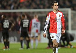 26-02-2015 NED: Europa League Feyenoord - AS Roma, Rotterdam<br /> Feyenoord is er niet in geslaagd de achtste finales van de Europa League te bereiken. De club verloor voor eigen publiek van AS Roma: 1-2 / Rood voor Mitchell Te Vrede #19 door scheidsrechter Clement Turpin